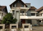 Luxury villa for sale near Lulu,2.8 cr
